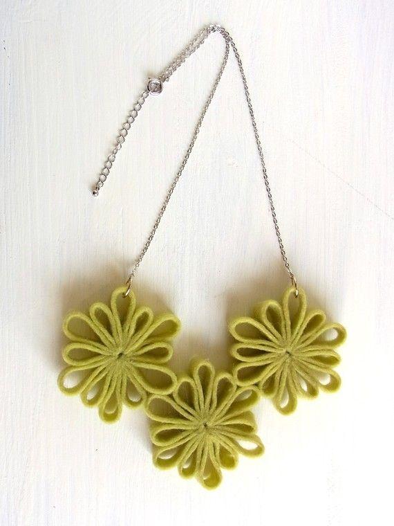 Felt flowers necklace.