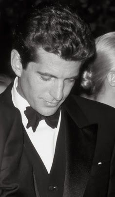 john f kennedy jr a life taken too soon 5 life lessons from jfk the lieutenant november 22nd was the 50th anniversary of the death of president john f kennedy take your pick - you are all useless a woman that has spent too much time studying arcane subjects has spent too little time learning how to take care of a man.