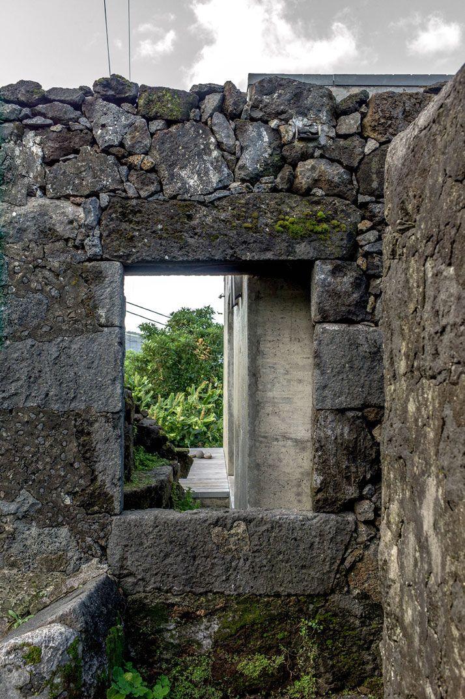 E/C House on Pico Island, Portugal by SAMI-arquitectos   Yatzer