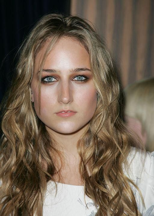I'm kinda obsessed with leelee Sobieski at the moment