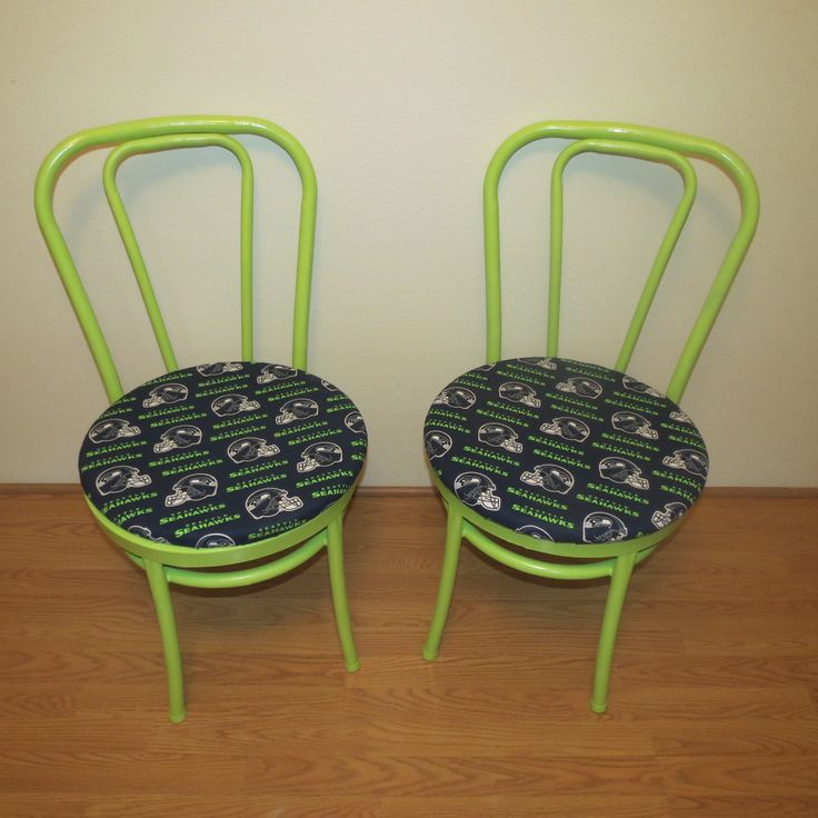 Seahawks chairs found two old chairs at a garage sale for Garage seat nice