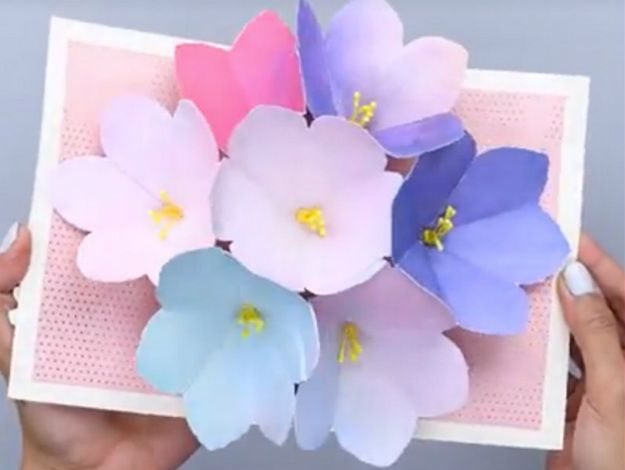 Homemade Mother S Day Card To Give To Your Mom Pop Up Flower Cards Flower Cards Cards Handmade