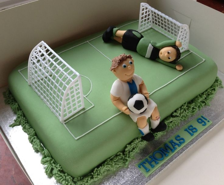 Leeds United football pitch cake
