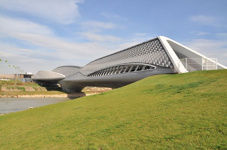 Bridge Pavilion / Zaragoza, Spain / Zaha Hadid (2008)