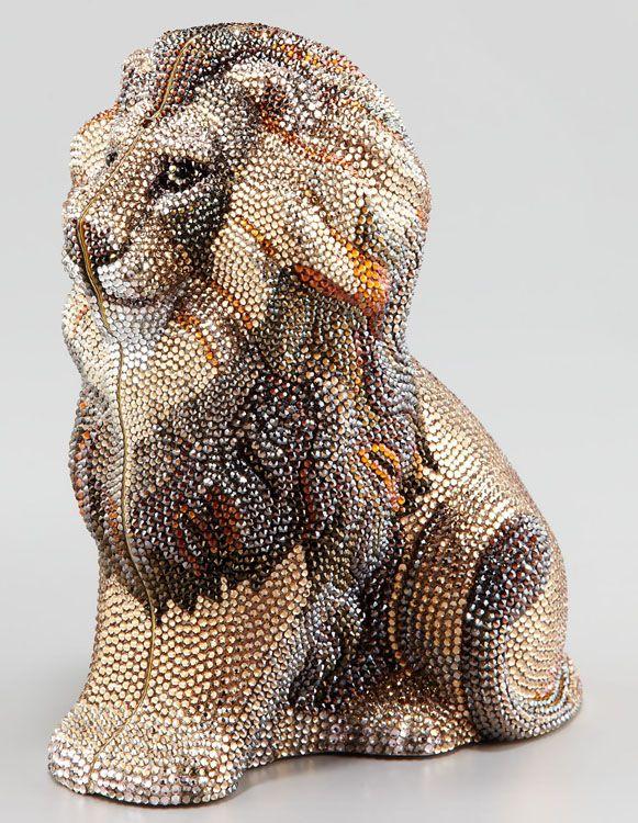 http://blog.fashionfreax.net/de/judith-leiber-und-ihre-kristall-kreationen/2012/12/18/20697