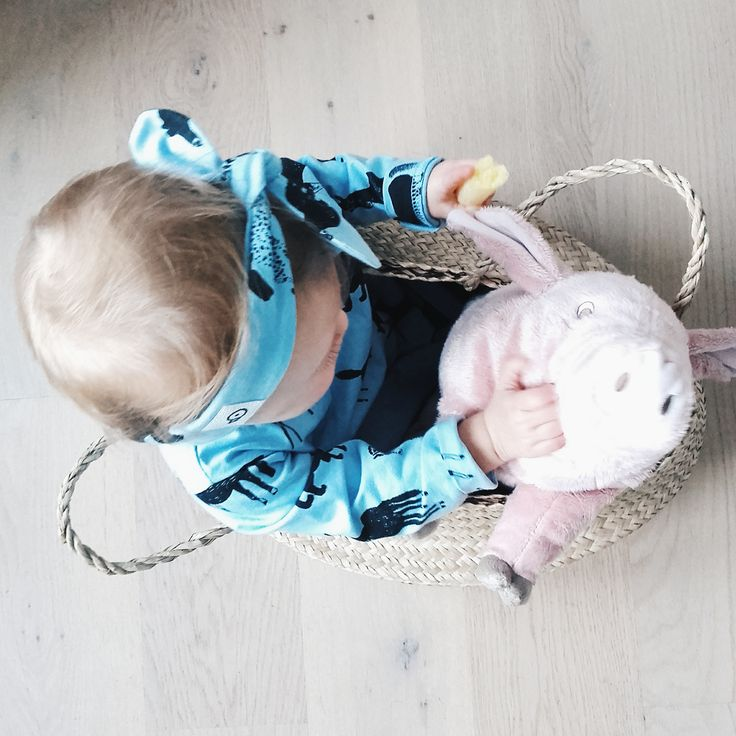 Girl with her little friend <3 and our Blue and Horses sweatshirt @mila.blanka #girs #sweatshirt #baby #lovely #blue # horses #outfit
