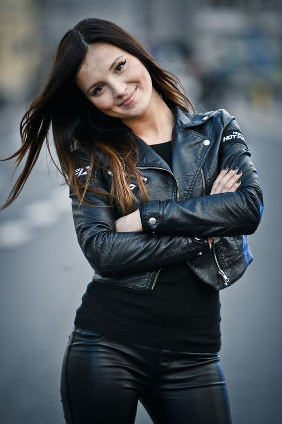 "Marina promuje ""Need for Speed""! :: Poszkole.pl"