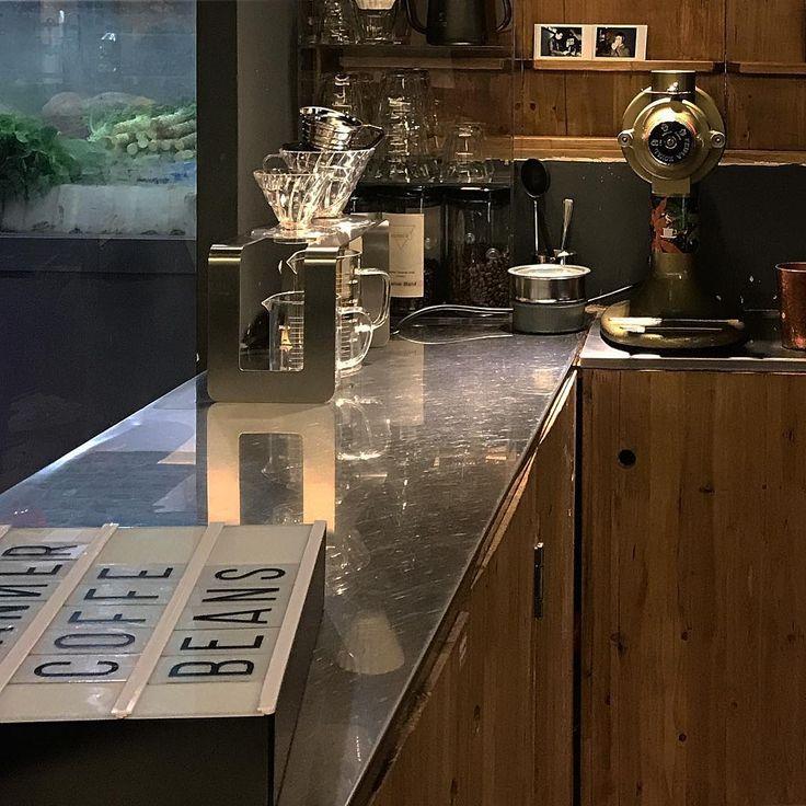 角落#café#coffeeshop#coffee#cafestagram#coffeestagram##shanghaicafe#shanghaicoffee#cafeinshanghai#latte#vanillalatte#latteart#flatwhite#americano#cappuccino#카페#커피#라떼#아메리카노##コーヒー#コーヒーショップ#ラテ#コーヒーフラワーアート#カフェ#커피스타그램#바리스타#バリスタ#barista