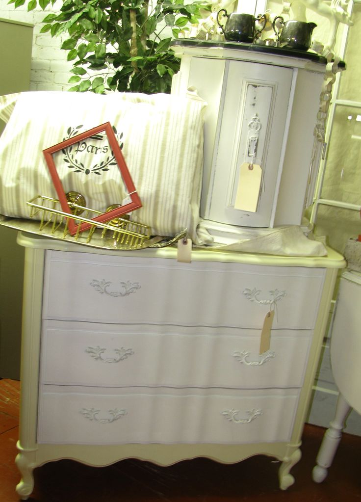 Painted with CeCe Caldwell's Paints in Johnston Daffodil and Simply White, sealed with Satin Finish.