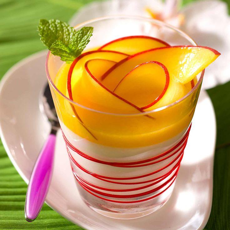 Découvrez la recette Blanc-manger coco et mangue sur cuisineactuelle.fr.