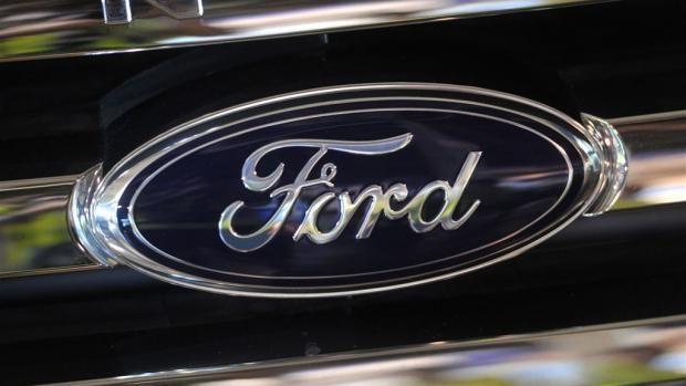 In het Amerikaanse autoconcern Ford Motor roepen ze 221.000 auto's terug naar de garage want er zijn mogelijke technische problemen. Het zijn 205.000 wagens van de types Taurus, Lincoln en Ford Interceptor-politiewagens. Ze kunnen een fout aan de deurgrepen hebben waardoor er kans is op verwondingen. Vervolgens worden er nog ruim 16.000 wagens teruggehaald van het model Transit Connect omwille van een probleem met de veiligheidsgordels, maar er is geen zekerheid over dit probleem.ECONOMIE(de…