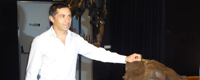 """José Vicente Casado, comisario de la muestra temporal """"Meteoritos, la extinción de los dinosaurios."""