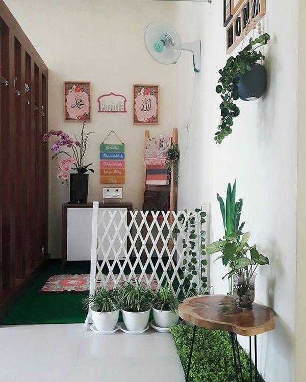 30 Praying Room Ideas To Bring Your Ramadan More Beautiful Home Design And Interior Muslim Prayer Room Ideas Beautiful Home Designs Home Room Design