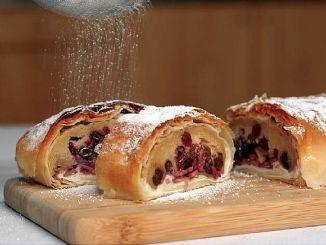 Cherry strudel.: Strudel Streusel Recipes, Austrian Recipes