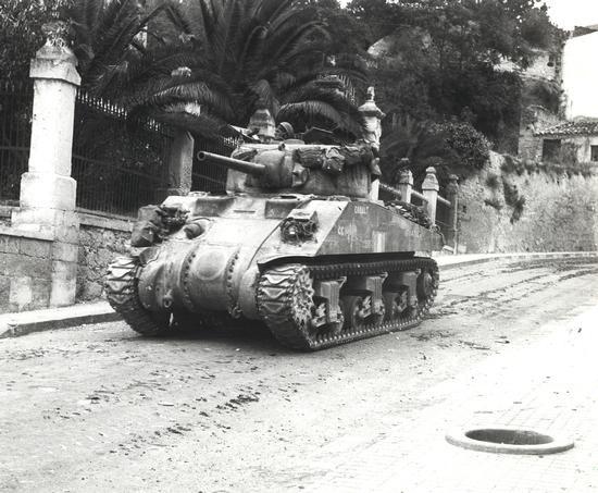 Char d'assaut Sherman « Cobalt » du Three Rivers Regiment, Agira (Italie), juillet 1943