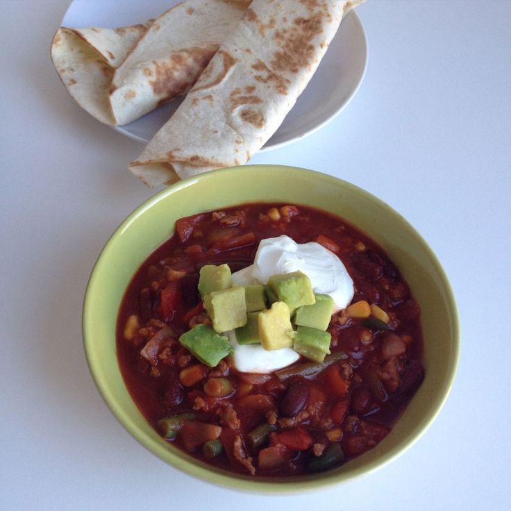 Vegetarische chili met tortilla's http://wateetjedanwel.nl/vegetarische-chili-met-tortillas/