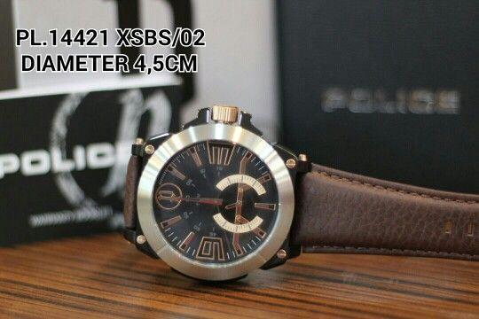 POLICE watch  Article : PL 14421 XSBS - 02 Price : IDR 2.085.000 Diameter : 4,5 cm  Material : Leather coffee - ring silver - kombi  black Garansi mesin 1 tahun international