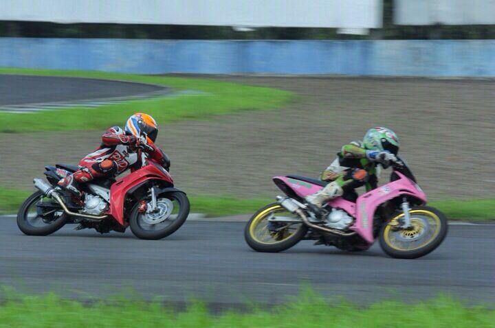 Gerry Motor in action... #razo #yamaha #lc135 #pinkyamaha