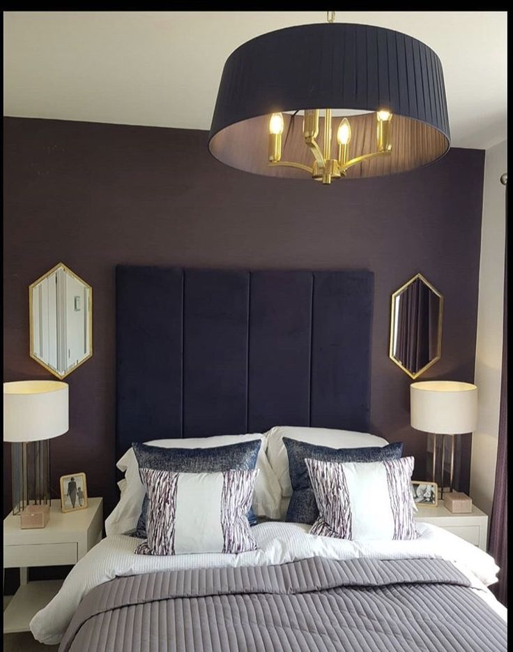 Mirrors Behind Bedside Tables: Behind Bedside Tables And Lamps