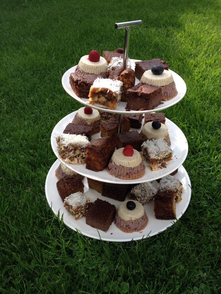 Ipv taart op mijn verjaardag: browni, sinaasappel-gembertaart, vegan cheesecake, walnoot-dadeltaart