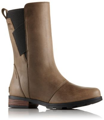 The SOREL Women's Emelie Mid Boot is a stylish rainproof boot made from  premium waterproof full