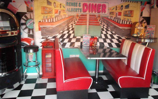 Love Old American Diners American Diner Kitchen Diner