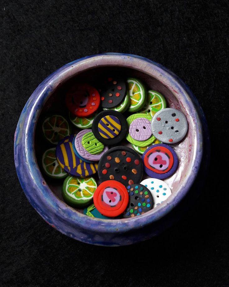 Scrapbooking için düğmeler✂ #scrapbooking #scrapbookbuttons #buttons #düğme #dugme #polymerclay #polimerkil #handcrafted #elleşekillendirme #elyapımı #turkishcrafts #turkishcraftswomen #colorful #craft #artsandcrafts #handmade #elişi  #elemegi #customdesign #unique #uniquegifts #takı #aksesuar #girisimcilerplatformu http://turkrazzi.com/ipost/1520403741621587254/?code=BUZjyXGh402