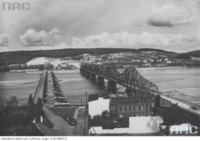 Mosty drogowe we Włocławku - widok z góry.