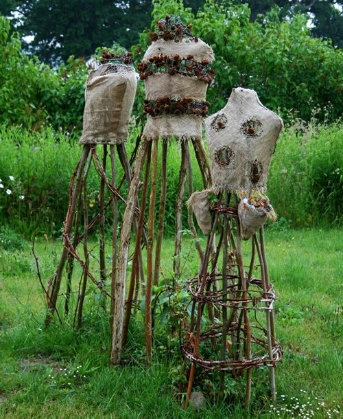 linens, and twigs, and leaves... oh my: Outdoor Dressforms, Model, Garden Art, Gardening Ideas