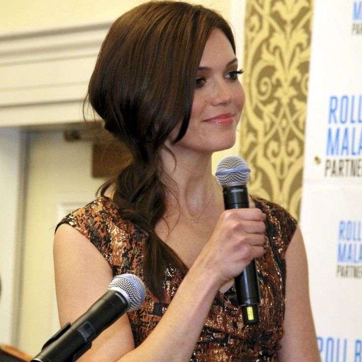 """Mandy Moore, 5'10"""", tall celebrities. Mandy about her mom re-assuring her that her height is beautiful: """"She reminded me to embrace what I was given and stand tall with my shoulders back… I guess the grass is always greener."""""""