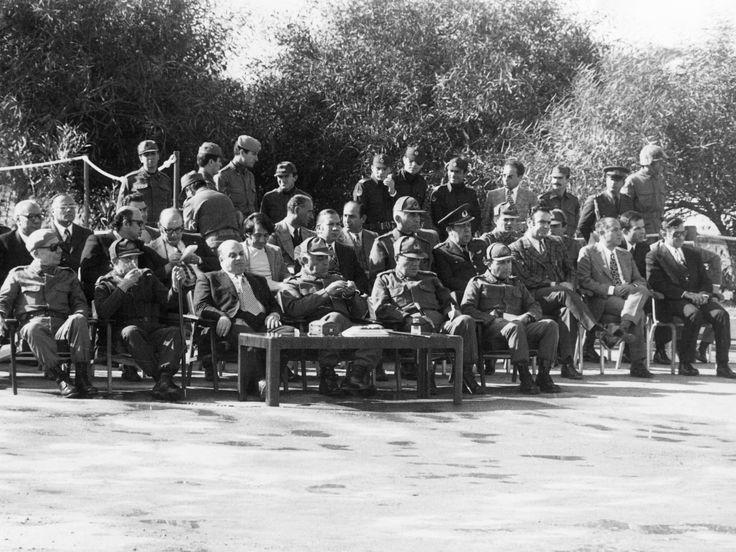 29 Ekim Töreninde Komutanlar176