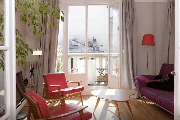 Discover all the best Airbnbs located in Paris, France. 37 Parisian Airbnbs that will convince you to book your next European adventure.