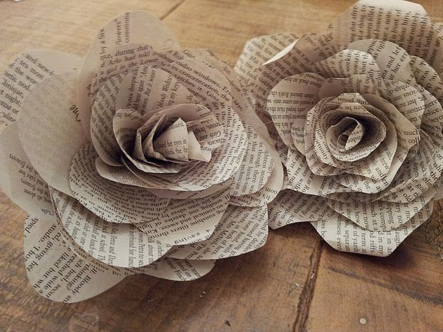 Book page flowers...  lovely!  But cutting the pages of a book makes my heart jump...  and not in a good way!  ;o)