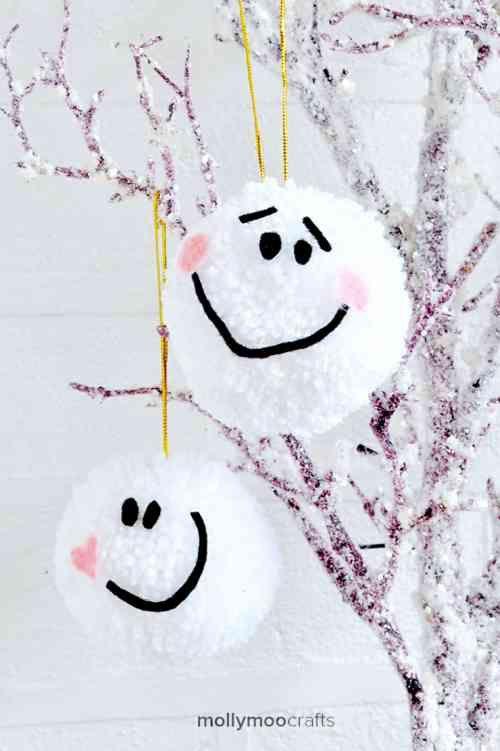 Boules de Noël mignonnes, idée Molly Moo Crafts