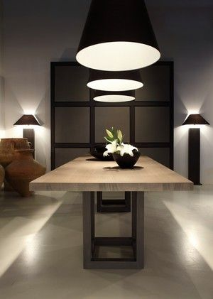 Smart use of light above dining table.