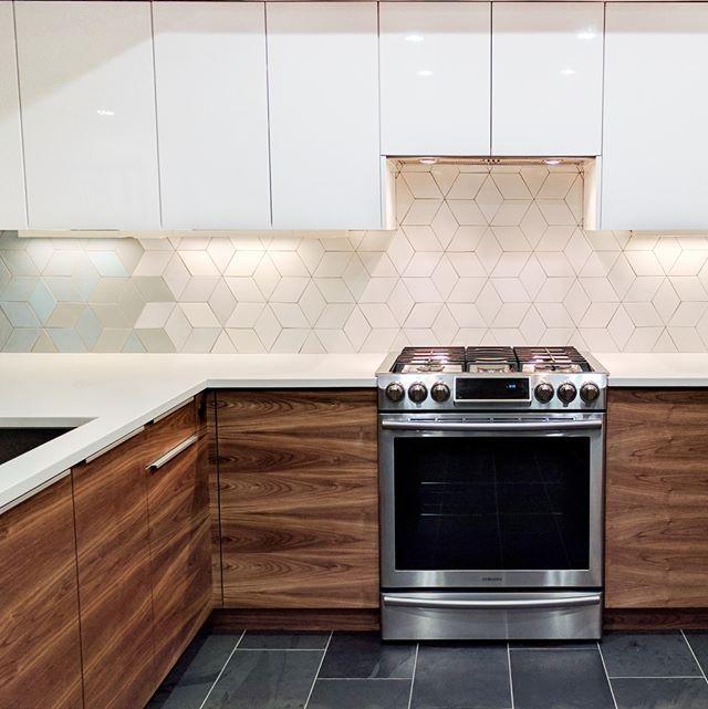 Swooning Over This Diamond Kitchen Backsplash Looks Great Even Pre Grout Large Diamonds Kitchen Backsplash White Kitchen Traditional Luxury Vinyl Flooring