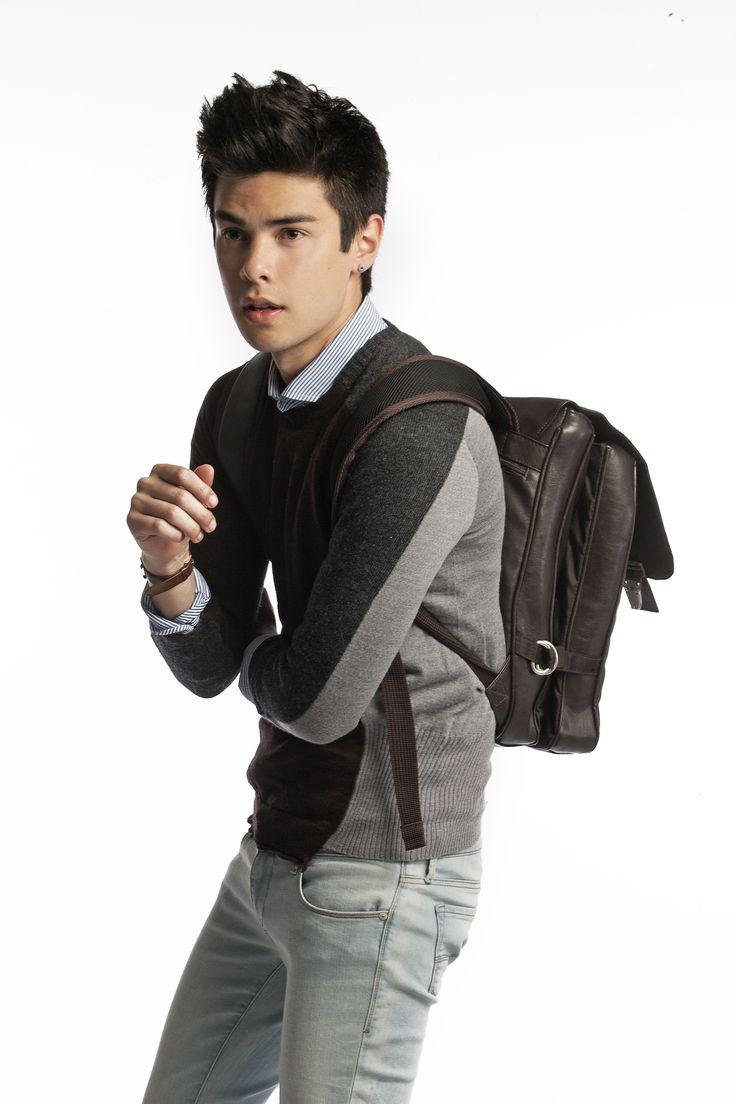 LOOKBOOK Get Your Backpack And Go! - Vini Uehara