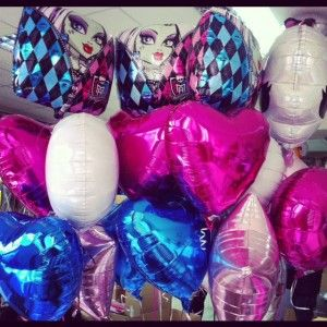 Ramilletes para una fiesta Monster High / Balloon bunches for a Monster High party