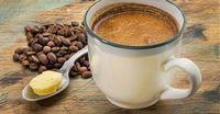 """Filterkaffee, Kokosöl und Butter: Fertig ist Hollywoods neues It-Getränk, der """"Bulletproof Coffee"""". Mit dem Trend-Rezept aus den USA wird der morgendliche Kaffee zum Energie-Booster – und Abnehm-Helfer"""