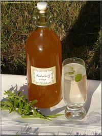 Domácí meduňkový sirup...