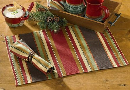 Rustic table setting for the holidays.Timber Ridge, Cabin, Bricks Red, Chocolates Brown, Ridge Kitchens, Parks Design, Tables Runners, Ridge Placemats, Kitchens Decor Theme