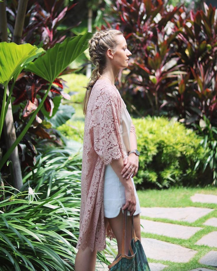 Last day Courtyard Marriot Seminyak, heading to the Zinti spa for my Hot Stone Massage // hair by Rob Peetoom Bali
