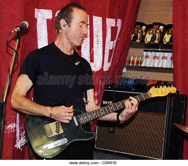 The former lead singer of The Stranglers Hugh Cornwell performs an in-store gig at Tower Records Dublin, Ireland - 15.11.08 - Stock Image
