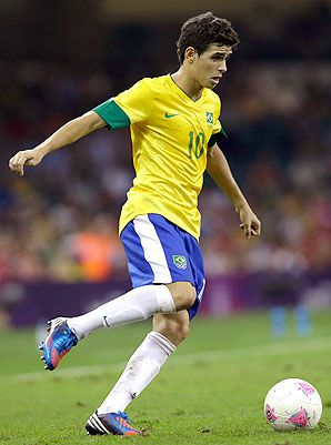Who would I be if I didn't throw in some photos of some Brazilian soccer players? Oscar.