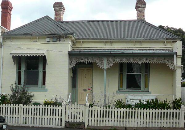 http://wiki.prov.vic.gov.au/images/9/9d/123Vic_copy.jpg 123 Victoria St Flemington photo R Stockfeld 2012