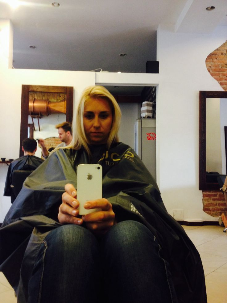 Selfie hair salon