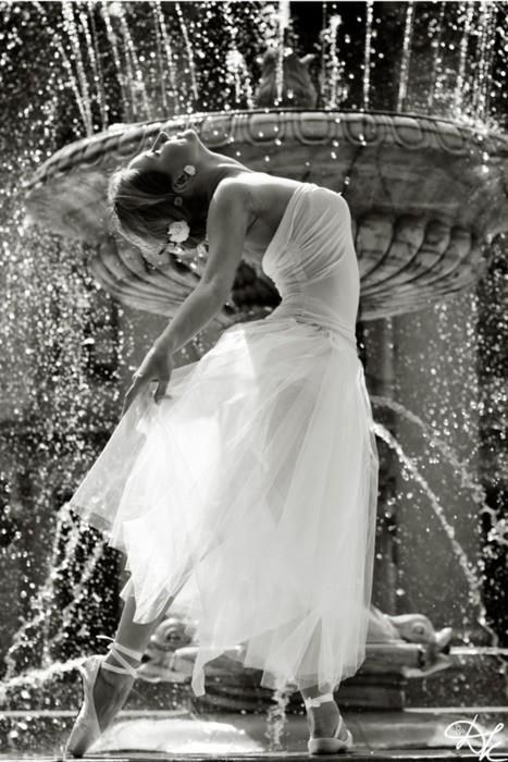 and she danced amongst the water droplets jb: Wedding Dressses, Black N White, Ballet Dancers, Points Shoes, Ballerinas, Shabby Chic, Black And White, The Bride, The Fountain