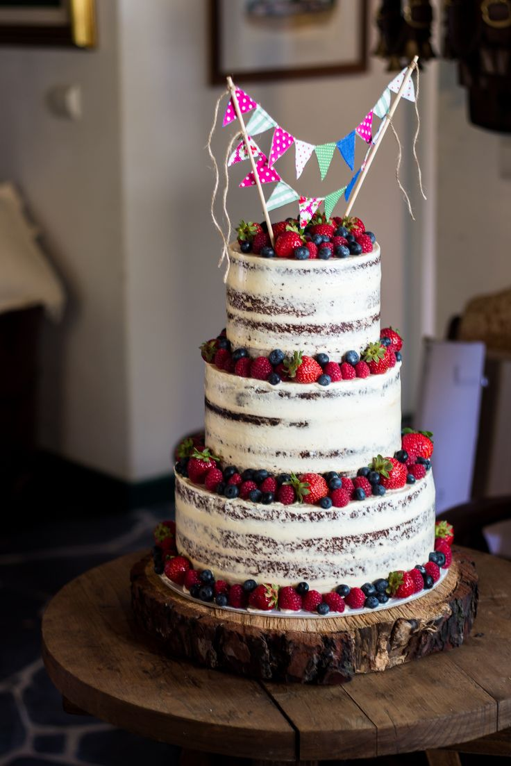 Best 25 Berry Wedding Cake Ideas On Pinterest The Berry