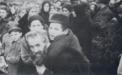 Terezínský rodinný tábor v Osvětimi-Birkenau (1943) | Holocaust