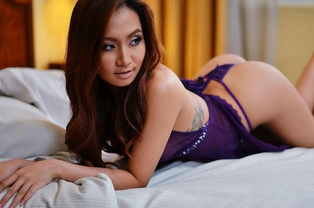 leah dizon sexy photo with panties